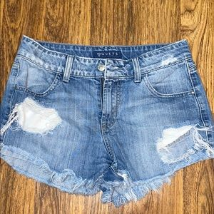 Denim guess shorts. Size 26.